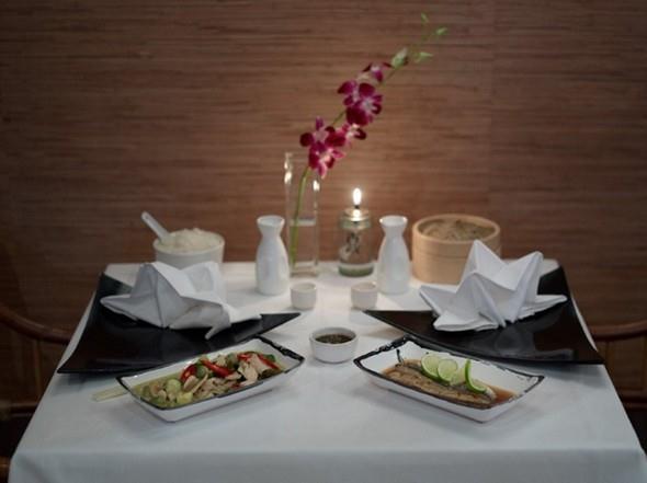 Romantická večere v luxusní restauraci