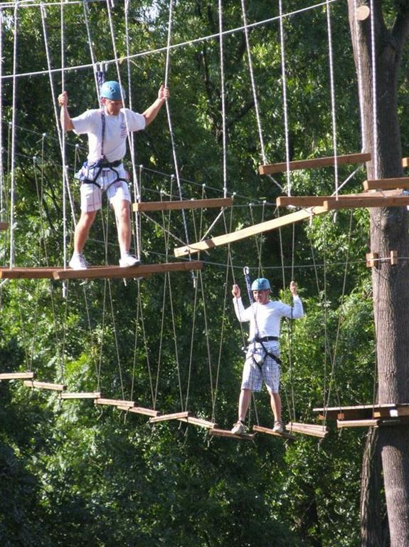Tarzania zábava pro dospělé