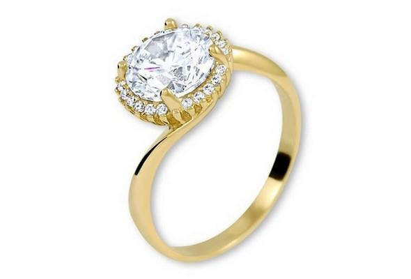 zlaty prsten s kaminky