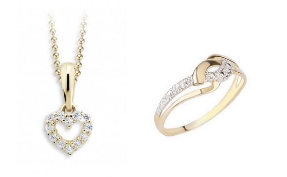 Zlaté prstýnky a přívěsky