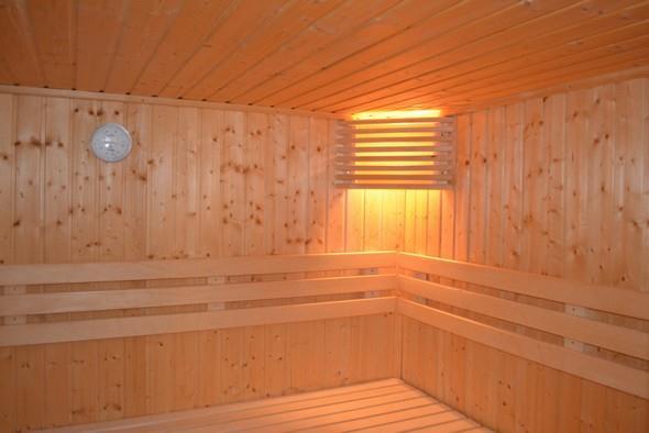Pravidelné saunování má blahodárné účinky na zdraví člověka