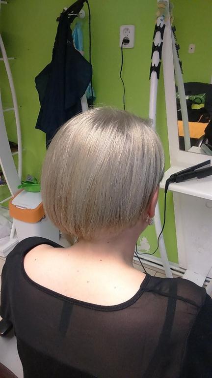 Skvělá i na kratší vlasy