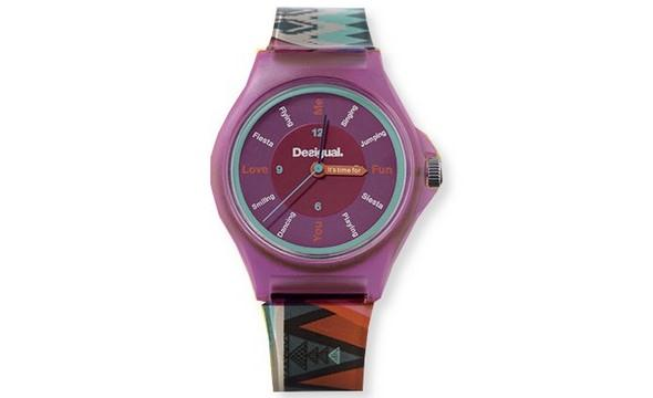 fialove hodinky Desigual